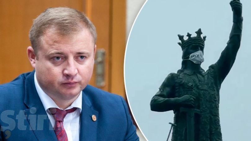Cavcaliuc, acuzat de profanarea monumentului lui Ștefan cel Mare
